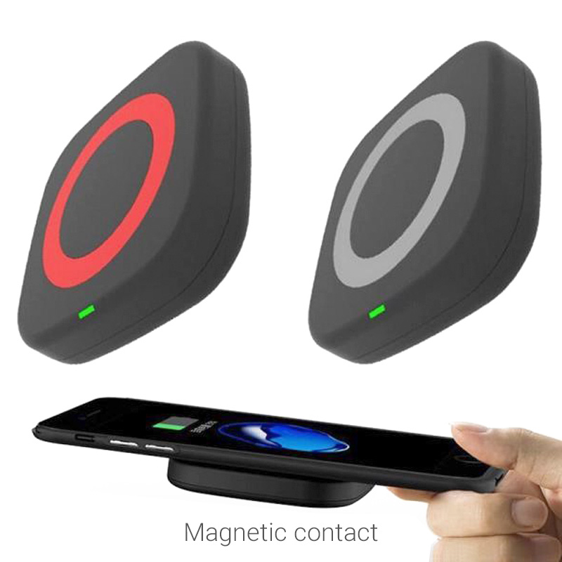 Qi wireless charger magnetic contact